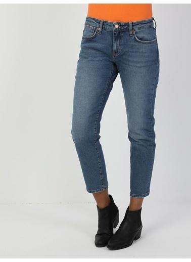 Colin's 892 Alına Slim Boyfriend Fit Orta Bel Rahat Kesim Paça Kadın Jean Pantolon Renkli